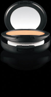 Base de Maquillaje en Polvo MAC Studio Fix  NC35